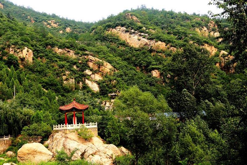 平山拦道石红色生态风景区一日游